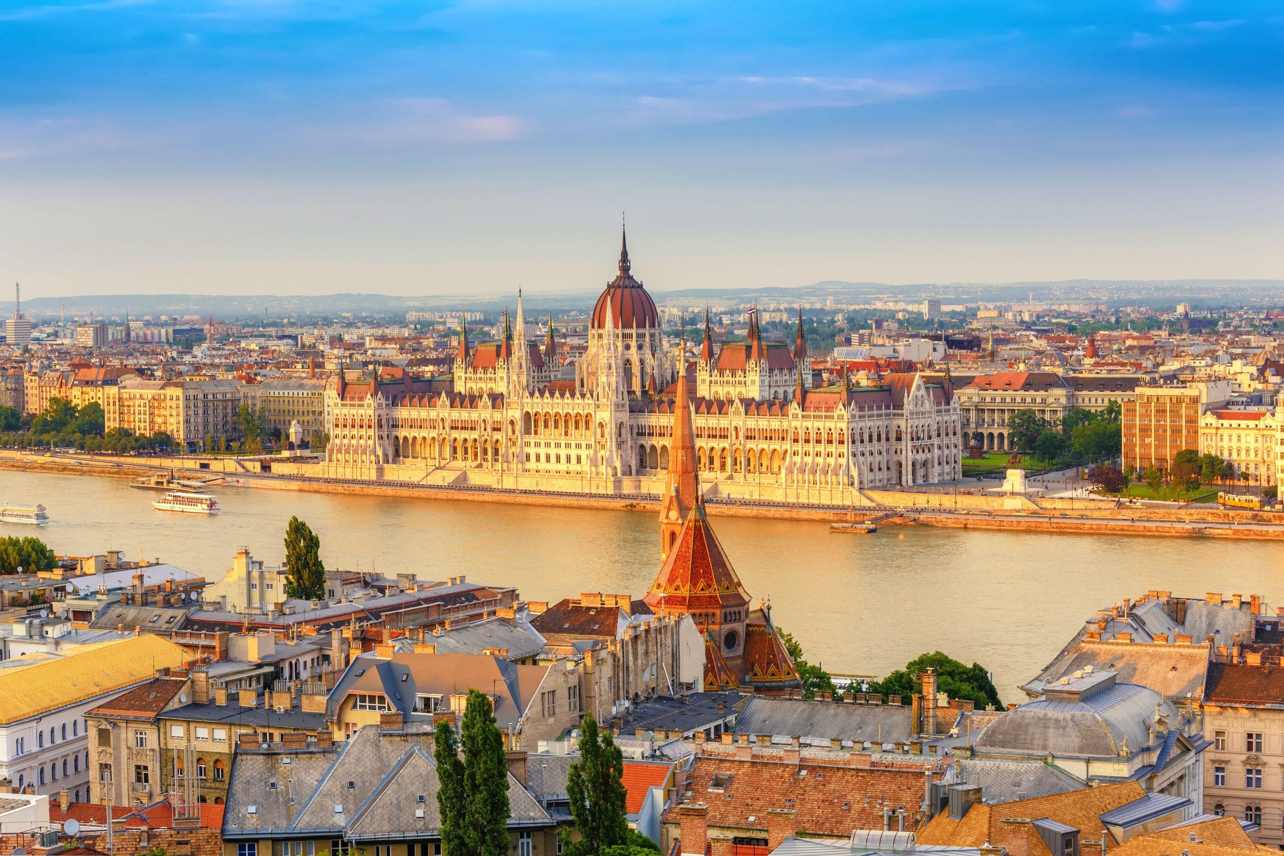 Modra Donava in njena mesta